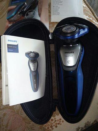 Maquinilla de afeitar Philips con dos usos.