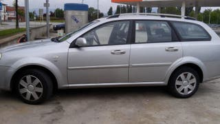 Chevrolet Nubira familiar