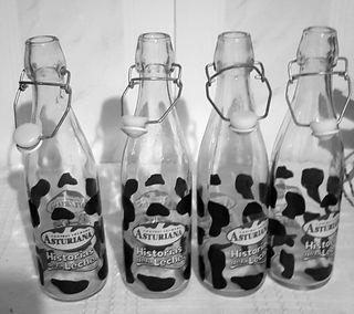 Lote botellas Leche Asturiana,hist.de la leche...