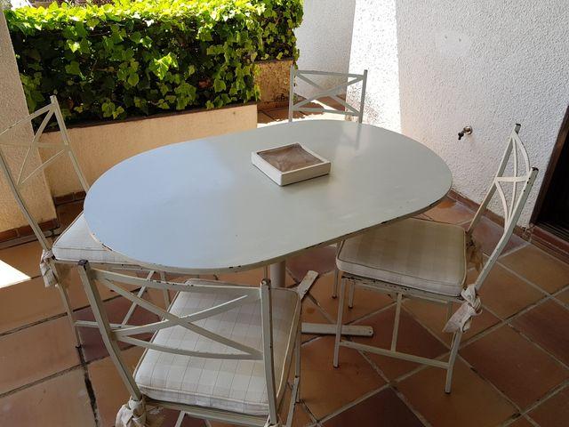 Conjunto mesa comedor exterior y 4 sillas de segunda mano por 50 ...