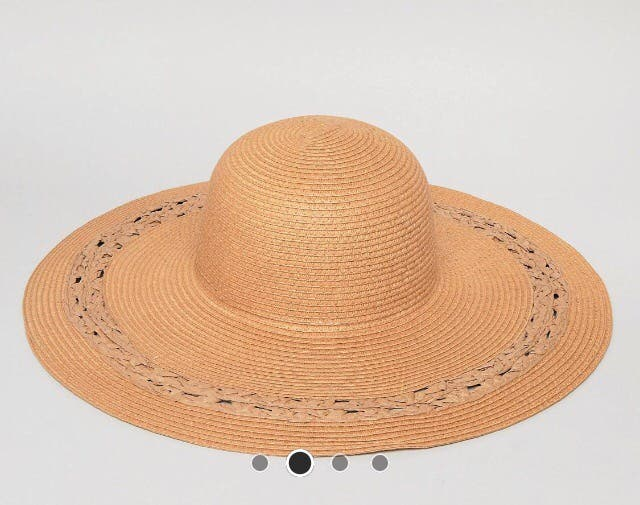 Sombrero mujer de segunda mano por 15 € en Zaragoza en WALLAPOP 45edf416769