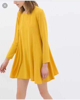 Vestido babydoll de Zara