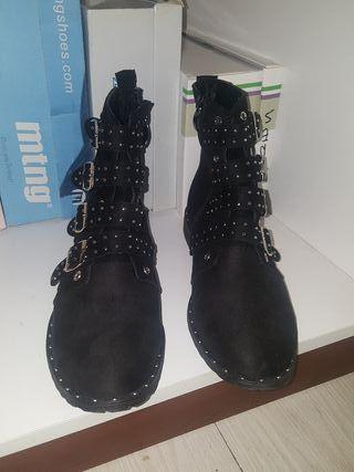Botines negro talla 39 NUEVOS