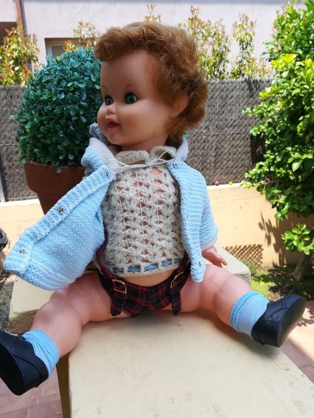 muñeco pirri de famosa