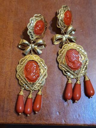 pendientes oro corales