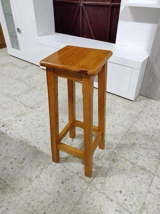 4 taburetes madera. solo vendo 2 o 4. 80€ el par
