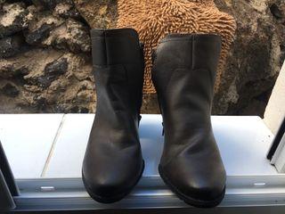 Zapatos mujer botines nuevos.