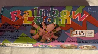 Rainbow loom. Juguete para hacer Pulseras de gomas.