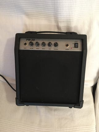 Amplificador para bajo, guitarra y micrófono