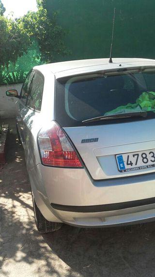 FIAT STILO DYNAMIC 2.299€