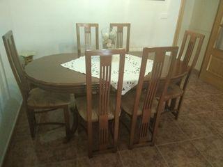 Mesa y 6 sillas de comedor