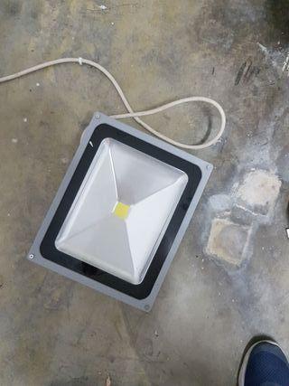 Foco eléctrico LED