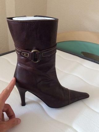 Botas de piel marrón n 37