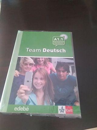 Team Deutsch SIN ESCRIBIR ISBN 9788423670598.