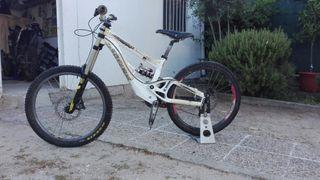 bicicleta descenso DH