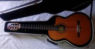 Guitarra electroacustica Antonio Sanchez