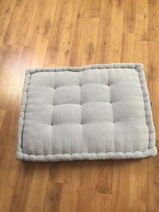 Cojines para palet de segunda mano en wallapop for Cojin para muebles de jardin en palet