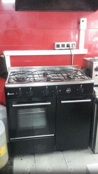 cocina de 4 fogones y horno