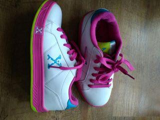 Zapatillas de ruedas como nuevas talla 35