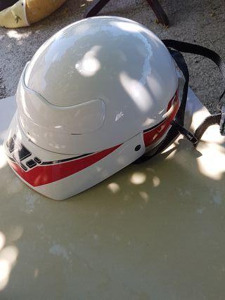 casco para ciclomotor