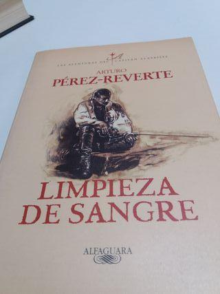 DOS LIBROS DE PÉREZ REVERTE