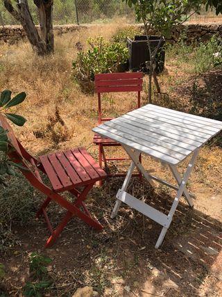 Juego mesa sillas jardin