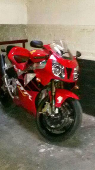 Plaza de garaje de moto en alquiler