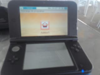 nintendo 3 DS XL AZUL Y NEGRA