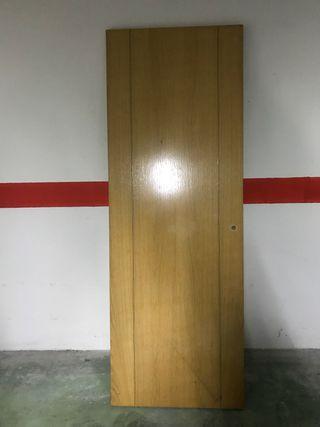 Puerta maciza madera