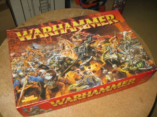 Caja basica Warhammer Orcos vs Imperio + libro
