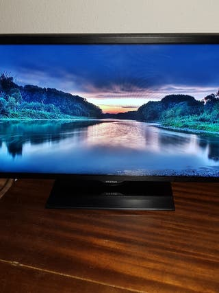 "2 monitores 22"" 1080p"