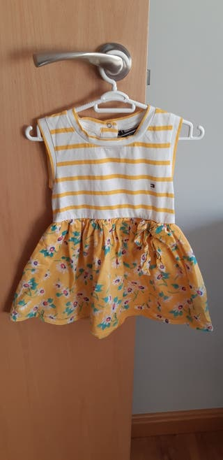 vestido tommy hilfiguer talla 12 a 18 meses