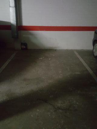 Alquilo plaza de garaje para scooter o moto