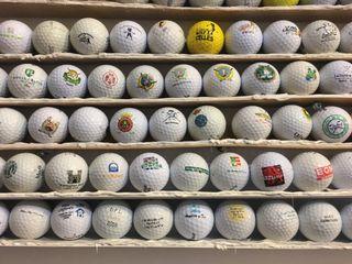 Bolas con logos de golf