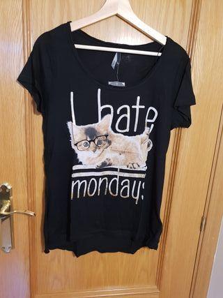 Camiseta negra gato. sin estrenar.