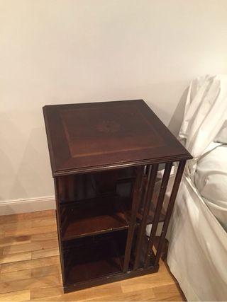 Revolving mesa auxiliar, librería. Medidas 50x50cm