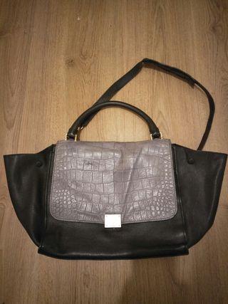 Cèline Medium Trapeze Handbag