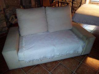 Sofa sin funda