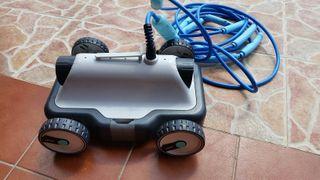 robot limpiafondo de piscinas