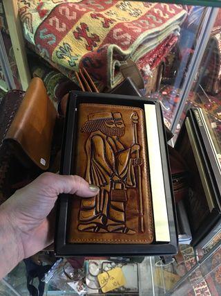 Monedero cinturon cartera artesano piel