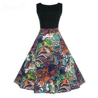 A Estrenar Vestido sin mangas / Falda estampada