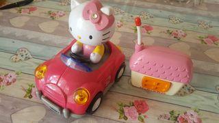 coche de hello kity