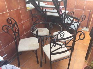 Mesa de forja para terraza con 4 sillas