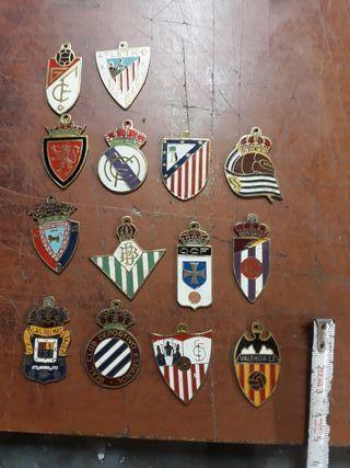 Chapas fútbol de colección en la provincia de Barcelona en WALLAPOP b2e176b5a1f