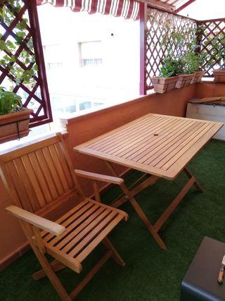 mesa y sillas de terraza