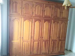 Ropero de madera hecho a mano. Precio a convenir