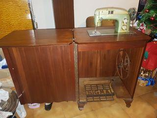 máquina de coser sigma antigua con pedal