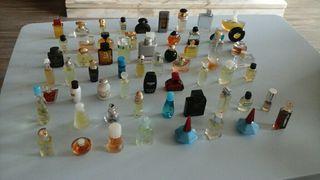 Coleccion de 80 mini perfumes