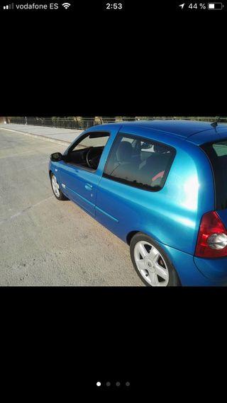Renault clio 1.4 16v 2003