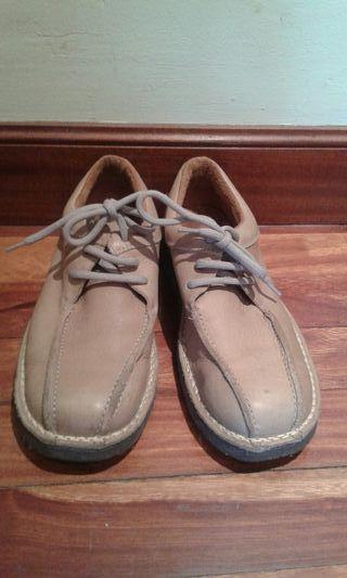 Zapatos piel 42 Nuevos.